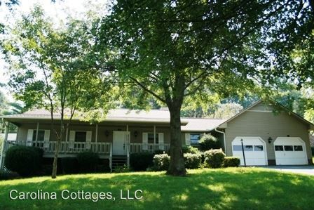 Photo of 117 Mountain Valley Dr, Hendersonville, NC 28739
