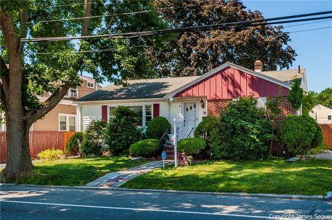762 Academy Ave, Providence, RI 02908