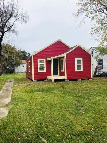 218 2nd Ave, Texas City, TX 77590
