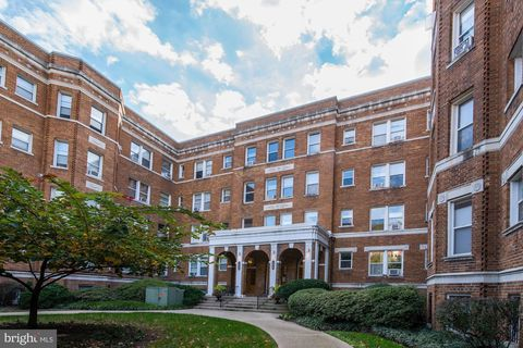 Photo of 1820 Clydesdale Pl Nw Apt 406, Washington, DC 20009