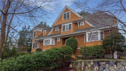 Photo of 21 Hendrie Dr, Greenwich, CT 06870