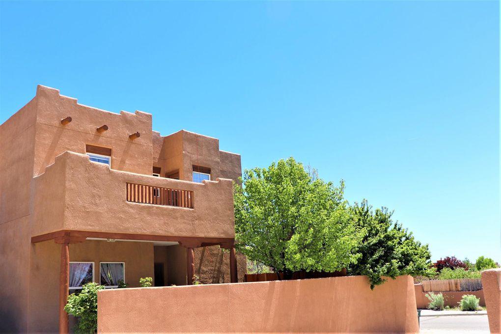 6787 Camino Rojo Santa Fe, NM 87507