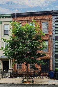 114 Bloomfield St Apt 3, Hoboken, NJ 07030