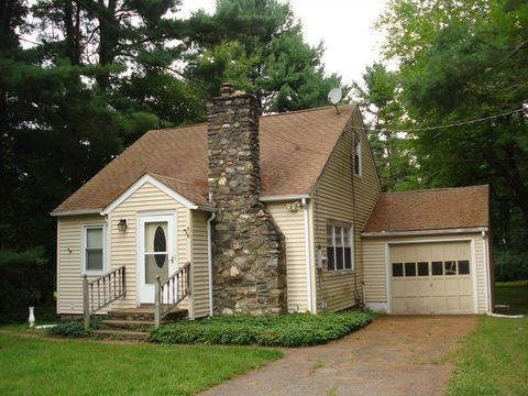 144 Clove Branch Rd, Hopewell Junction, NY 12533