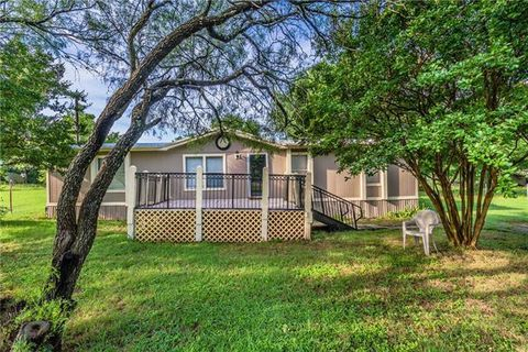 Photo of 3716 Shady Ln, Joshua, TX 76058