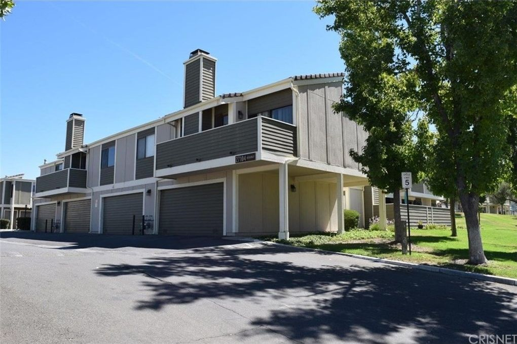 27104 Hidaway Ave Unit 2 Canyon Country, CA 91351