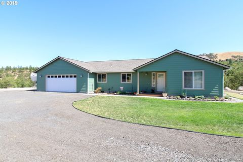 Photo of 4250 Browns Creek Rd, The Dalles, OR 97058