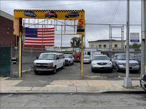 Photo of 79-04 Cypress Ave, Glendale, NY 11385