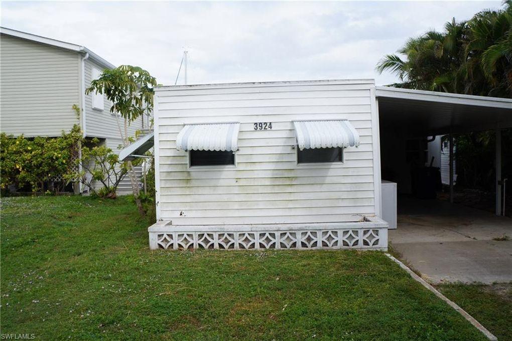 3924 Plumosa Dr, Saint James City, FL 33956
