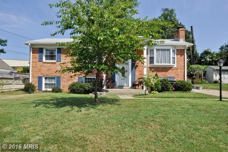 2299 W Longview Dr, Woodbridge, VA 22191