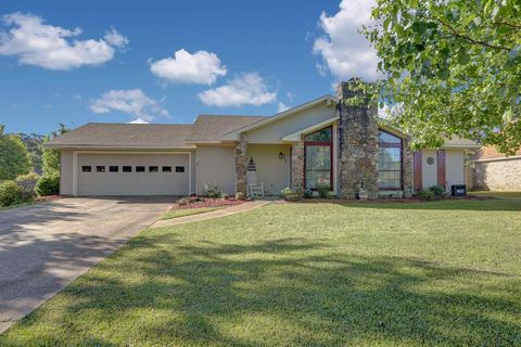 Photo of 3049 Pine Ridge Dr, Pearl, MS 39208