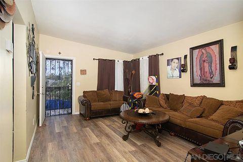 Photo of 823-825 Winston Dr, San Diego, CA 92114