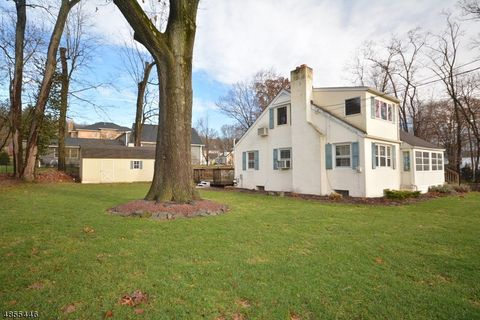 Photo of 11 Lakeview Ave, Watchung, NJ 07069