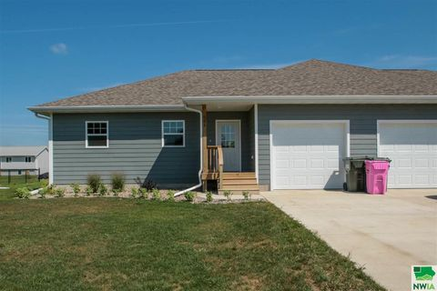 Photo of 931 Campbell St, North Sioux City, SD 57049