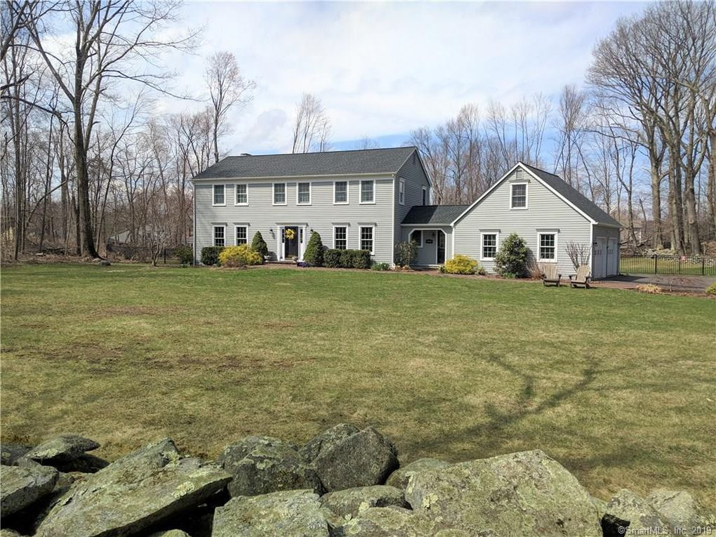 8 Old Woods Rd Brookfield Ct 06804 Realtor Com
