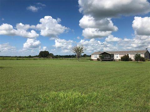 Photo of 3832 Morris Community Rd, Yoakum, TX 77995