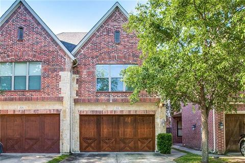 Photo of 5932 Lewis St, Dallas, TX 75206