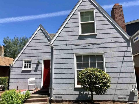 Photo of 329 Nw 21st St, Corvallis, OR 97330