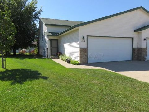 2852 Dakota Park Circle Cir S, Fargo, ND 58104