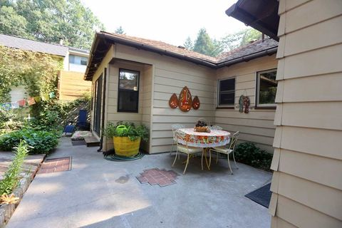 Photo of 4421 Gleaves Ave, Dunsmuir, CA 96025