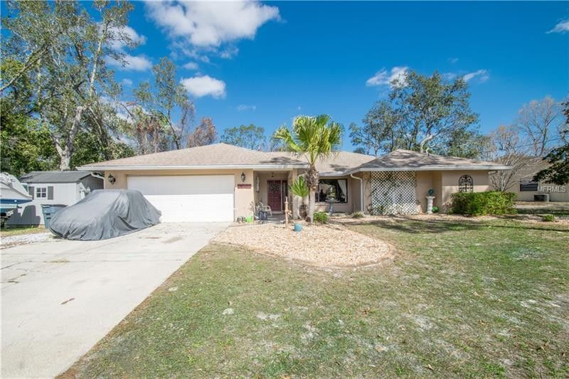 9043 Hernando Way, Weeki Wachee, FL 34613