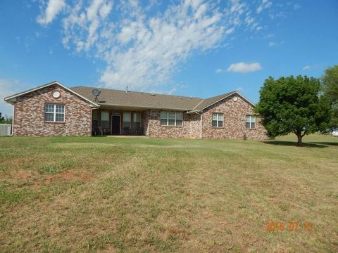 8184 W County Road 69, Crescent, OK 73028