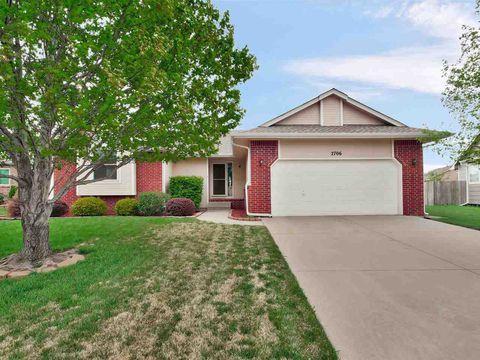 Photo of 2706 N Meadow Oaks Ct, Wichita, KS 67220