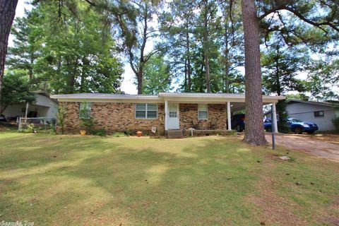 513 Houston Dr, Benton, AR 72015