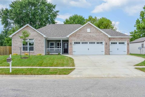 Photo of 1116 Blue Jay Dr, Greentown, IN 46936