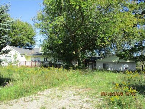 300 N Hunt Rd, Bridgehampton Township, MI 48419