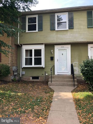Photo of 365 W Thornhill Pl, Frederick, MD 21703
