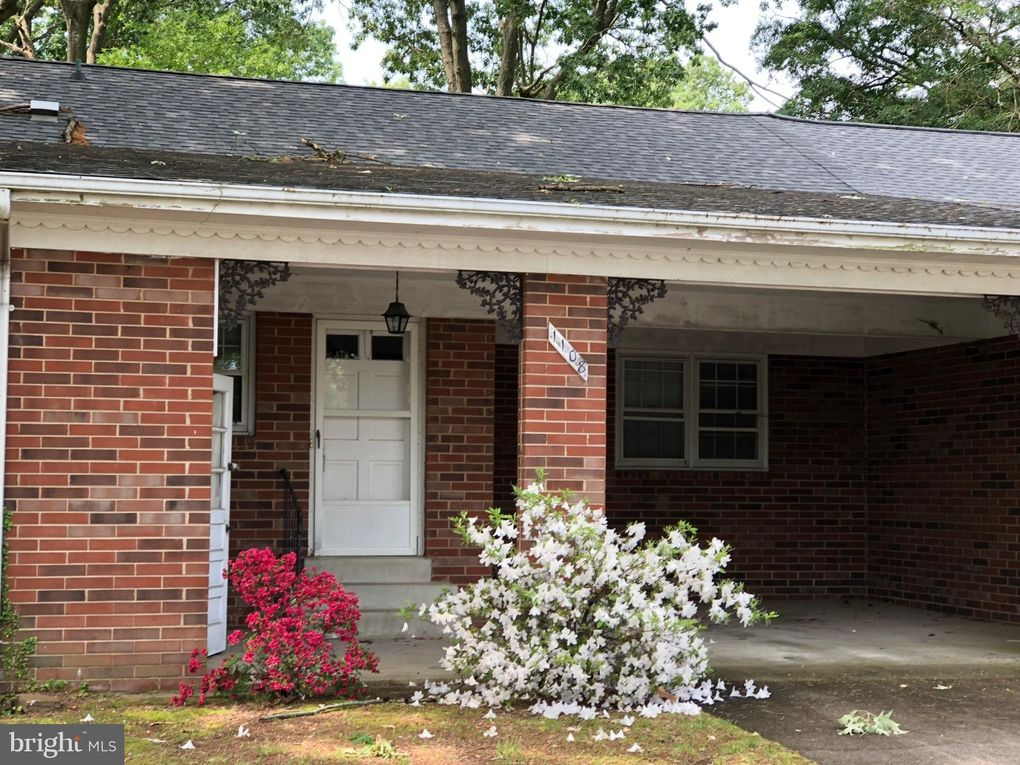 1108 Middleton St Colonial Beach, VA 22443