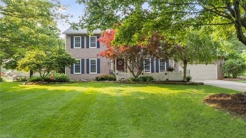 Photo of 853 Virginia Dr, Hudson, OH 44236