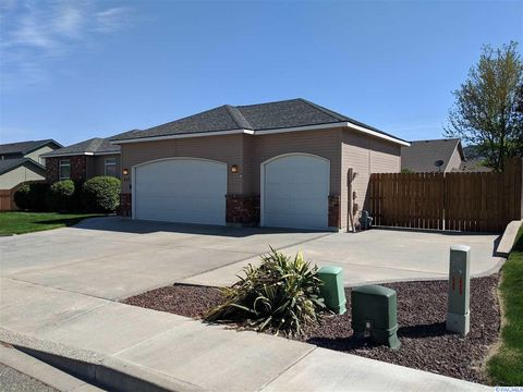 Photo of 415 Palm Dr, Richland, WA 99352