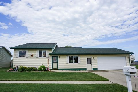 Photo of 2365 Mc Clellan Dr Sw, Huron, SD 57350