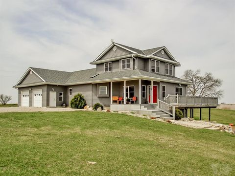 Photo of 1747 220th St, State Center, IA 50247