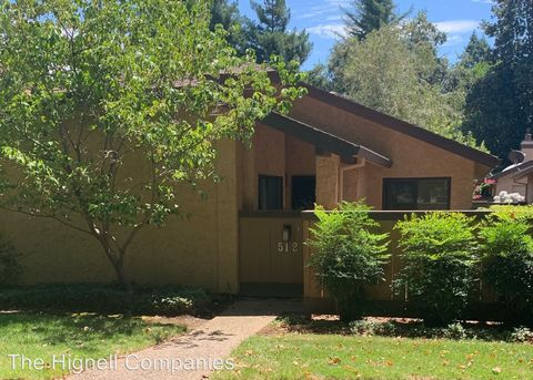 Photo of 512 Cliffwood Ct, Chico, CA 95973