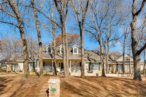 3537 Four Trees Dr, Weatherford, TX 76087