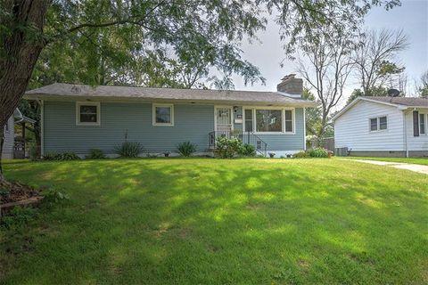 Fantastic 2315 W Grandview Dr Decatur Il 62526 Home Interior And Landscaping Ponolsignezvosmurscom