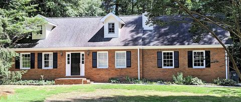 Photo of 476 Club View Dr, Lawrenceville, GA 30043