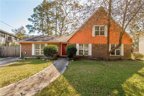 Photo of 2954 Palm Circle Dr, Slidell, LA 70458