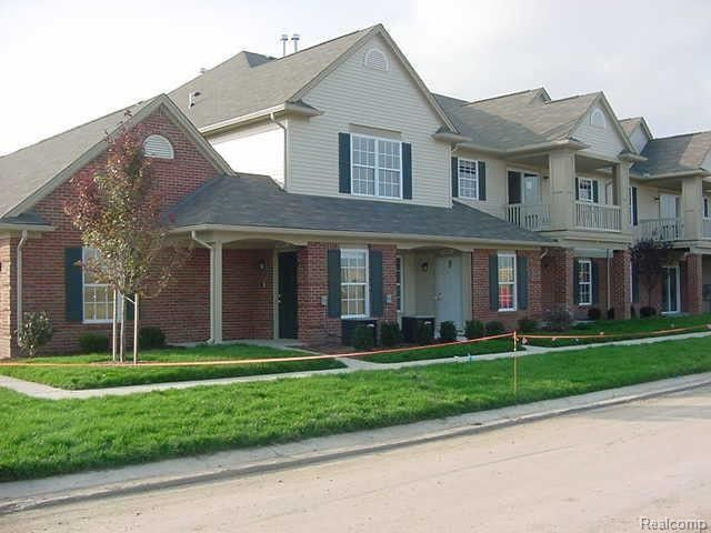 20651 Henry St, Brownstown Township, MI 48183
