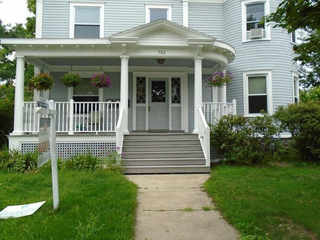 755 Pleasant St Unit 3, Worcester, MA 01602