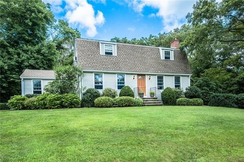Photo of 18 Holmes St, Rehoboth, MA 02769