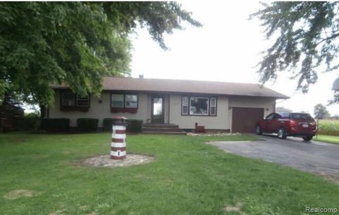 Photo of 17417 Lincoln Rd, Maple Grove Township, MI 48460