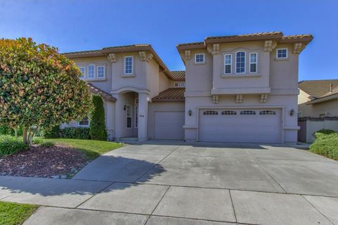 Photo of 514 Wimbledon Ave, Salinas, CA 93906