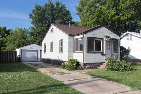 Newton, IA Real Estate - Newton Homes for Sale - realtor com®