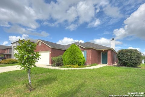 Photo of 808 Pinehurst Dr, New Braunfels, TX 78130