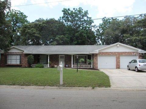 7103 Woodfield Dr, Tampa, FL 33617