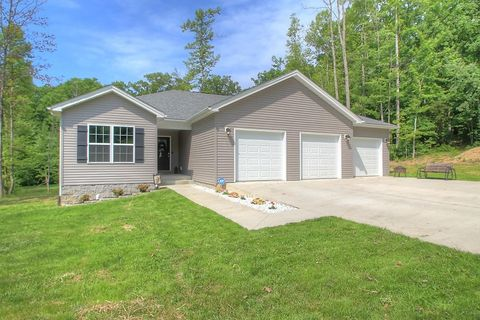 Photo of 411 Scarlet Oak Dr, London, KY 40741